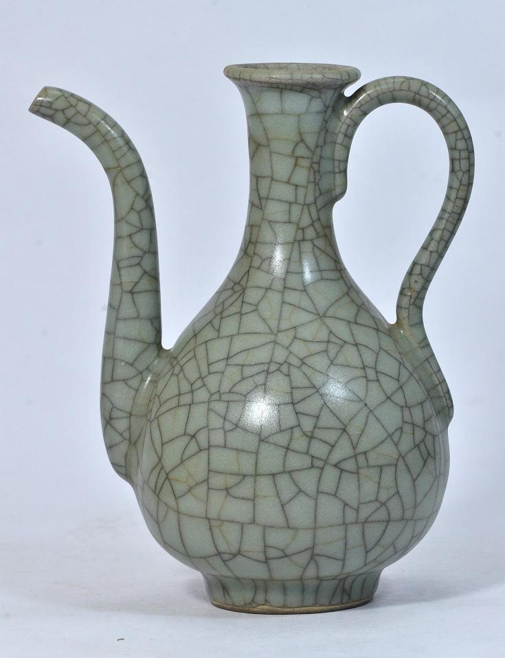 A Rare Ge Kiln Ewer, Song Dynasty