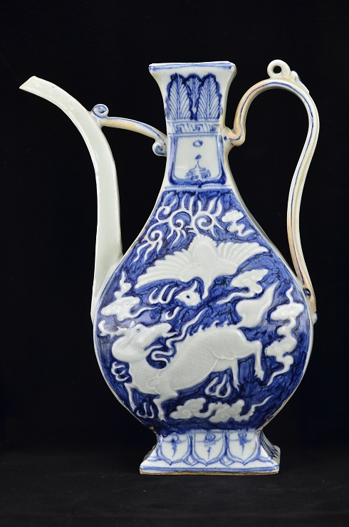 Blue and White Rectangular Ewer, Yuan Dynasty